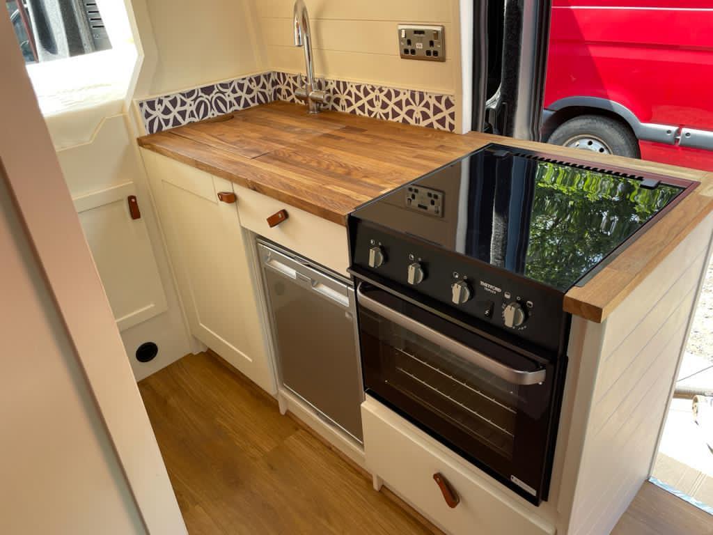 LWB High Top Citroen Relay - Cooker and fridge - 2021
