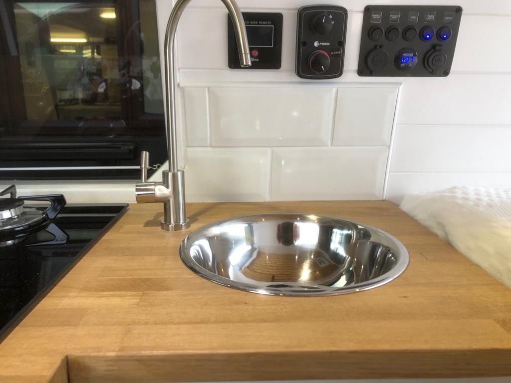 VW T28 Highline Sink 2021